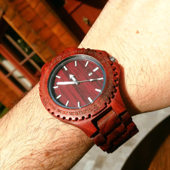 red-wooden-sandalwood-watch