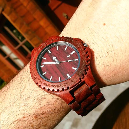 red-wooden-sandalwood-watch