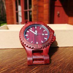 sandalhouten horloge