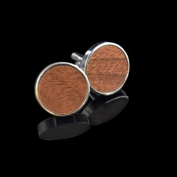 Walnu wooden cufflinks detail