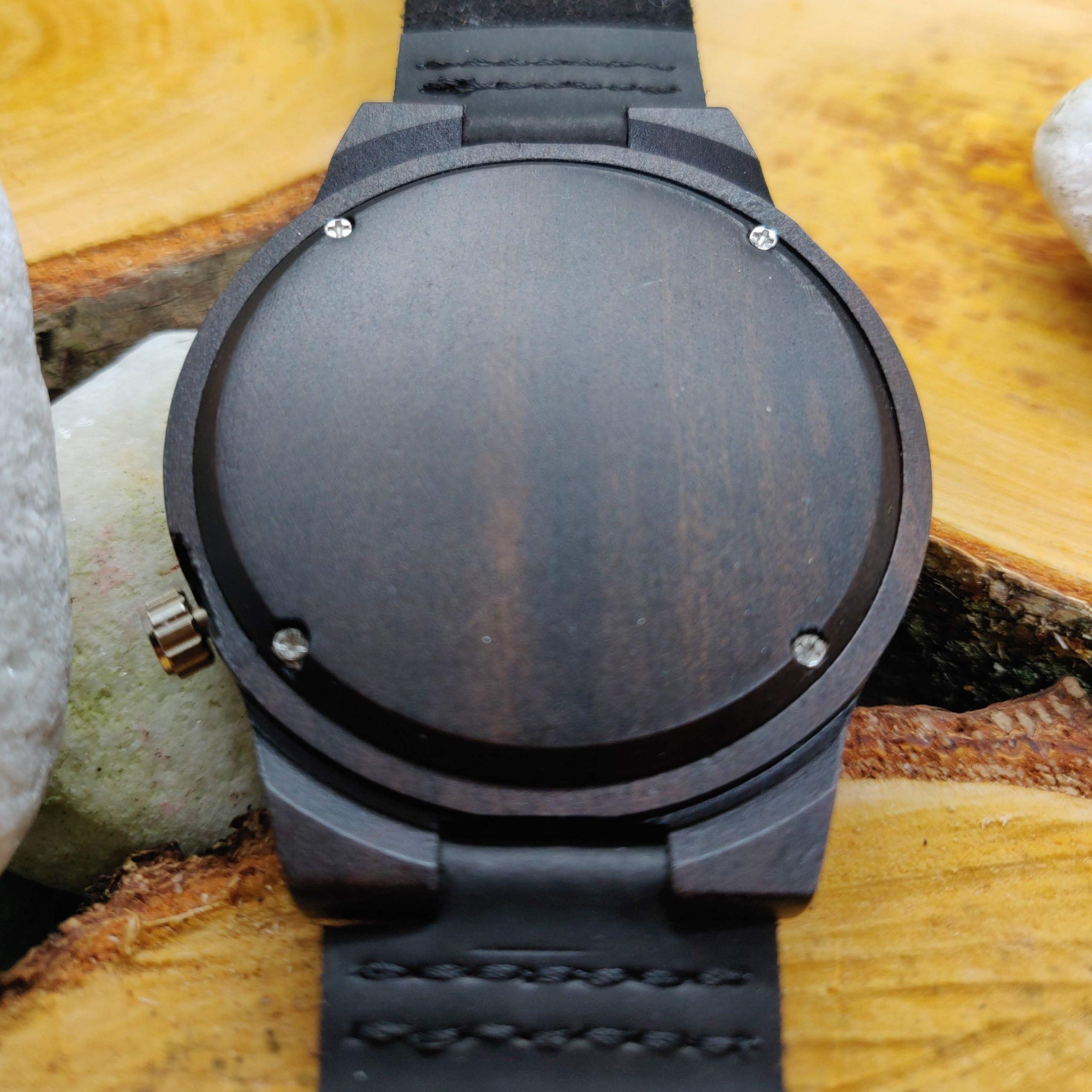 Rugkant-houten-horloge