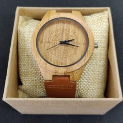 red-kite-wooden-watch